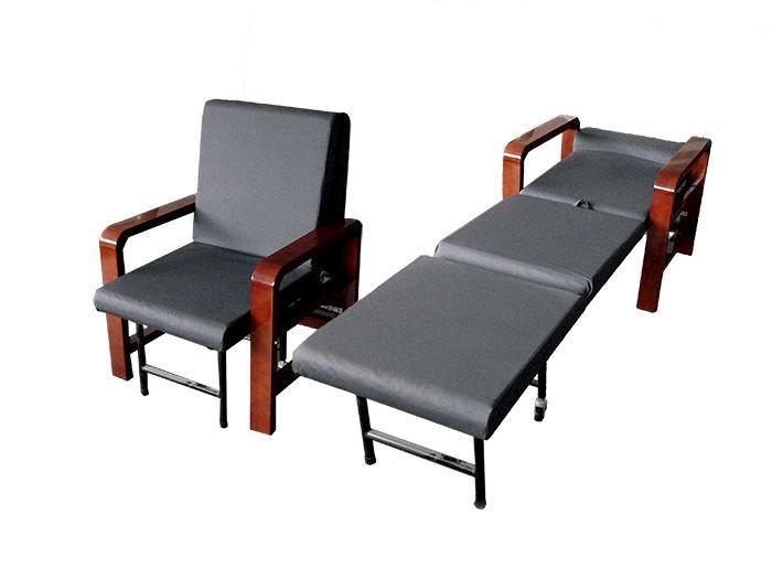 Poltrona da riposo inclinabile con rotelle ad altezza