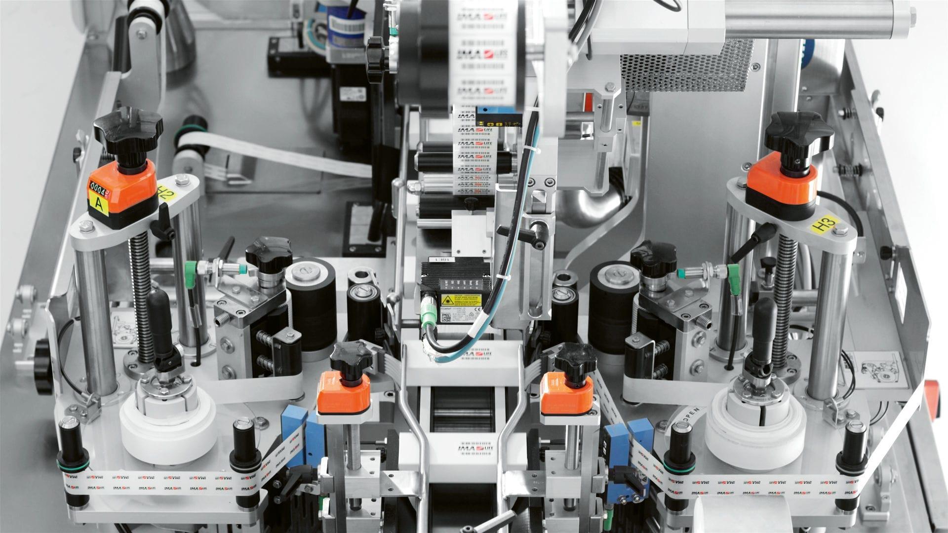 76797fd852d ... etichettatrice per cartoni   per l industria farmaceutica   automatica    in linea ...