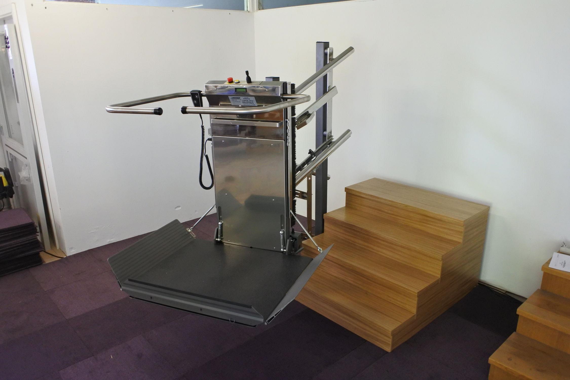 Sedie A Rotelle Per Scale : Montascale per sedia a rotelle per scale curve pieghevole