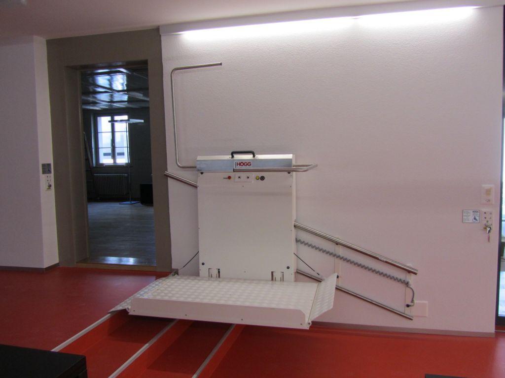 Sedie A Rotelle Per Scale : Piattaforma elevatrice per sedie a rotelle per scale dritte