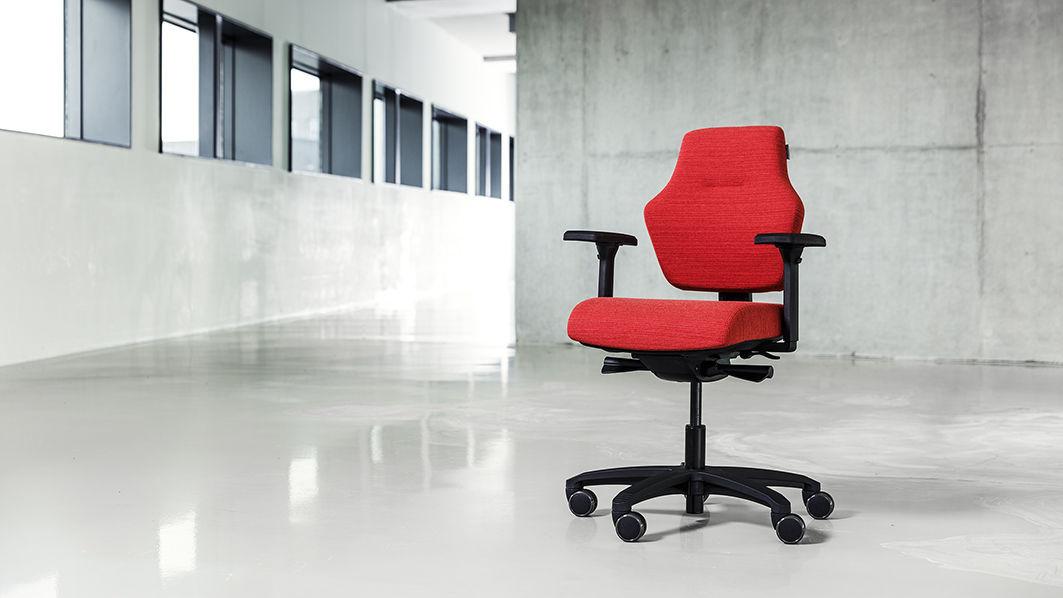Sedie Da Ufficio Con Rotelle : Sedia da ufficio con rotelle con braccioli ad altezza