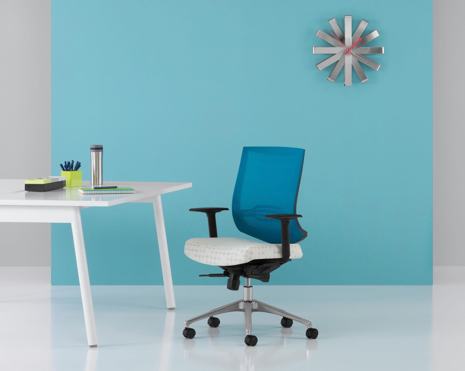 Sedie Da Ufficio Con Rotelle : Sedia da ufficio con rotelle con braccioli ergonomica