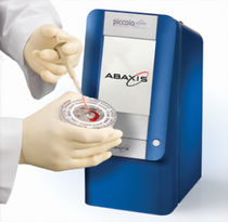 Analizzatore biochimico semiautomatico / compatto / portatile