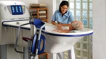 Sedia da doccia / con braccioli / con rotelle / con apertura igienica