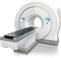 Acceleratore lineare di particelle radioterapia conformazionale / con scanner a raggi X integrato / con tavolo di posizionamento robotizzato