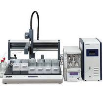 Workstation robotizzata / di manipolazione di liquidi / da banco