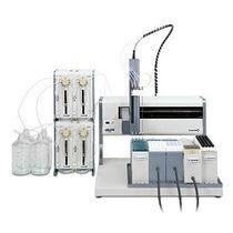 Sistema di preparazione dei campioni da laboratorio / di manipolazione di liquidi / per estrazione in fase solida / da banco