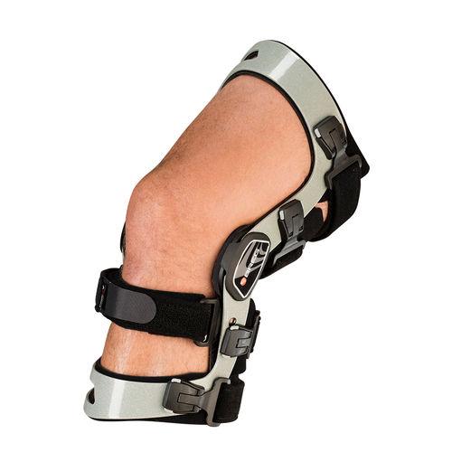 Ortesi per ginocchio / per stabilizzazione dei legamenti del ginocchio / articolata / dinamica Axiom® Elite  Breg