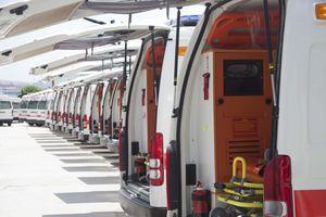 ambulanza per terapia intensiva / paramedicale / furgone / furgoncino