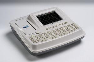 elettrocardiografo 6 canali / digitale / con stampante / con monitor