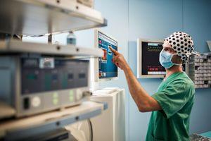 software clinico / per chirurgia / di controllo / di registrazione